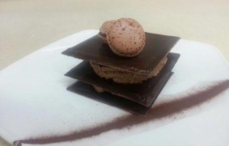בראוניז שכבות שוקולד וקרם שוקולד לבן