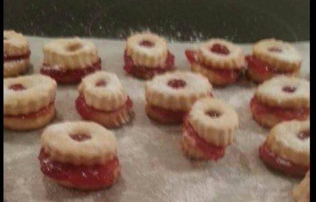 עוגיות פרח עם ריבה